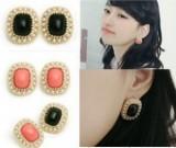 珍珠镶边方形黑色粉色玛瑙耳钉