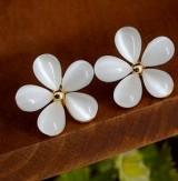 花朵耳钉女 韩国可爱 时尚清新 韩版耳饰 饰品 纯白樱花耳钉