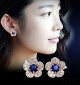 防过敏 天猫耳饰货源 银白色底花朵蓝水晶满钻精致女耳钉