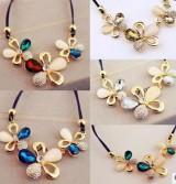 韩国风流行水晶项链 三朵梅花朵满猫眼宝石时尚彩色水晶短款项链饰品