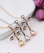 外贸新款饰品 精致三色玫瑰花吊坠项链送女友 情人节礼物批发
