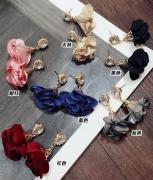 韩国热销耳钉 时尚气质女 布艺花朵闪钻耳钉批发