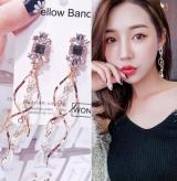 s925银针韩国百搭水晶珍珠扭曲流苏长款耳环