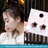 S925银针韩国小众个性闪钻星星黑色滴油耳钉