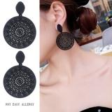 韩国新款黑色圈圈气质镂空花纹耳钉