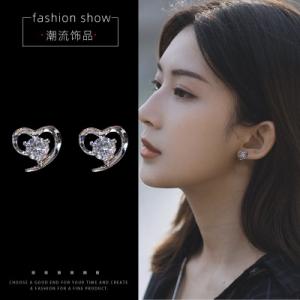 韩国新款潮简约冷淡风小巧网红同款耳钉
