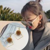 韩国甜美少女心卡其色毛球秋冬耳环