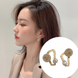 S925银针韩国新款潮简约小巧气质珍珠不对称耳钉