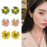 S925银针韩国明星同款小雏菊花朵清新气质少女心可爱小巧耳钉