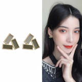 S925银针韩国春夏新款绿色几何三角形复古小巧耳钉