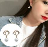 S925银针韩国东大门花朵小清新百搭超仙网红珍珠爱心耳钉