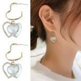 S925银针韩国东大门气质高级感爱心珍珠个性时尚百搭耳钉女