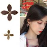 S925银针韩国气质简约个性不对称小花瓣超仙少女耳钉