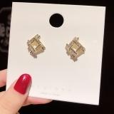 S925银针韩国镶钻锆石时尚简约气质几何新款甜美耳钉