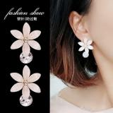 S925银针韩国日系高级感珠光闪花朵清新百搭时尚耳钉