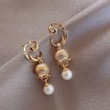 S925银针韩国东大门复古甜美气质花朵珍珠时尚网红同款耳钉女