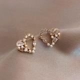 S925银针韩国爱心珍珠镶钻简约冷淡风网红气质耳钉耳饰女