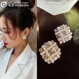 S925银针韩国气质名媛水钻珍珠方形气质网红个性百搭耳钉女