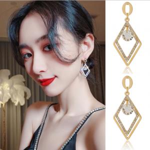 S925银针韩国几何镂空菱形潮流气质个性百搭时尚锆石耳钉耳饰女