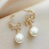 S925银针韩国气质珍珠时尚花朵款锆石精致小巧网红同款耳钉耳饰