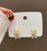 S925银针韩国本命年小牛简约小巧精致高级感气质网红猫眼石耳钉耳饰女