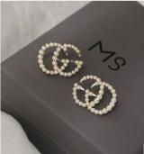 S925银针字母珍珠小香风个性夏奈尔双C高级感2020年新款潮耳钉女耳饰女