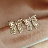 S925银针韩国气质珍珠蝴蝶结光面精致小巧百搭耳钉耳饰